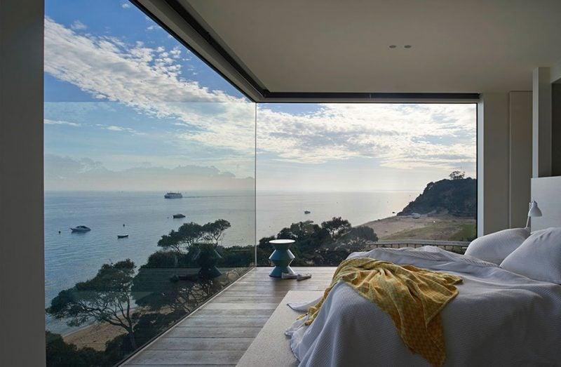 Setzen Sie auf hochwertige bodentiefe Fenster für eleganten Wohnstil