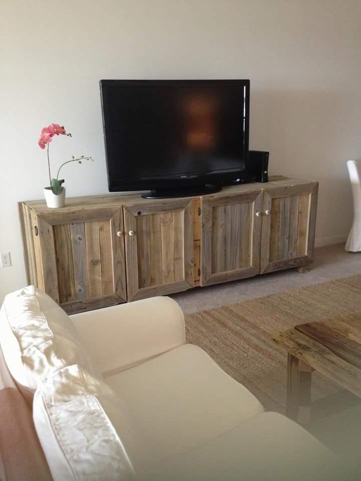 TV tisch aus paletten palettenmöbel selber bauen