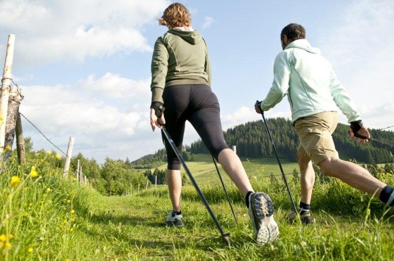Kalorienverbrauch beim Walken und Laufen Vergleich interessante Fakten