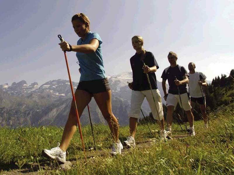 in den Bergen walken Kalorien verbrennen