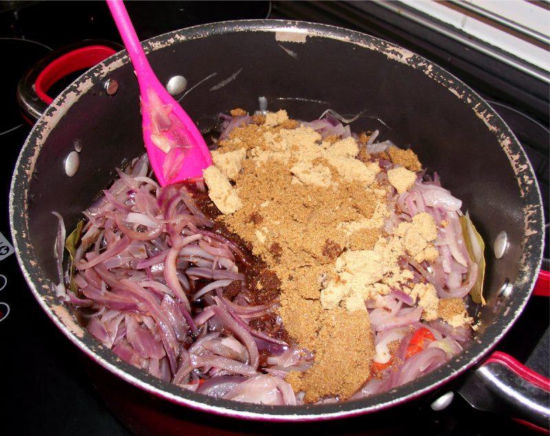 Wie kann man leckeres Zwiebel Chutney zubereiten!
