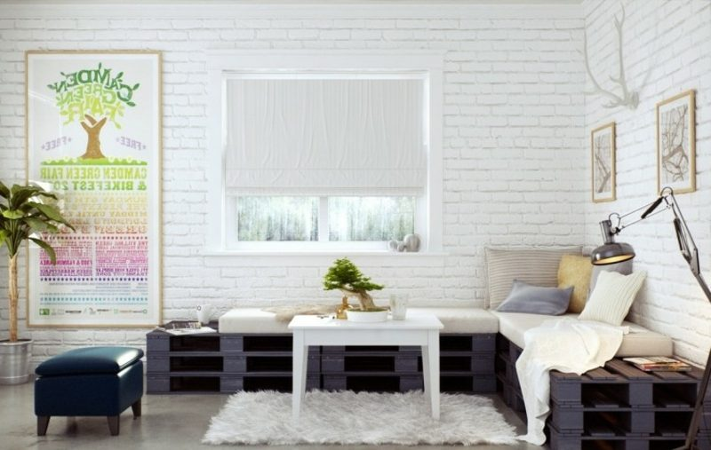 modernes Palettensofa schwarz gestrichen