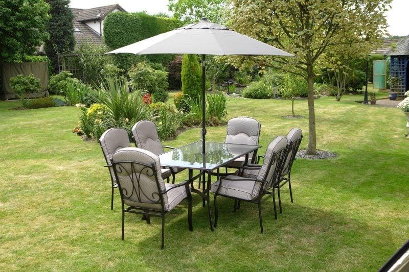 Hochwertige Gartenmöbel in vielen Formen!