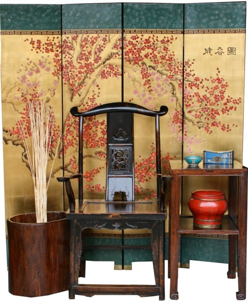 asiatische Möbel:Stuhl, Holztisch und Deko-Elemente!