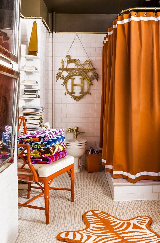 badezimmer renovieren bad ideen vorhang orange stuhl