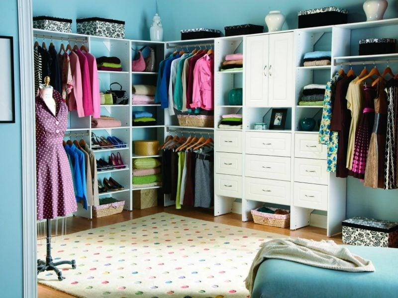 begehbarer kleiderschrank offene regalsysteme selber machen schlafzimmer einrichten möbelstücke
