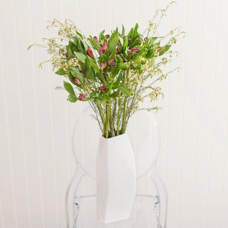 Die Männer können auch mit schönen Blumen zum Valentinstag überrascht werden!