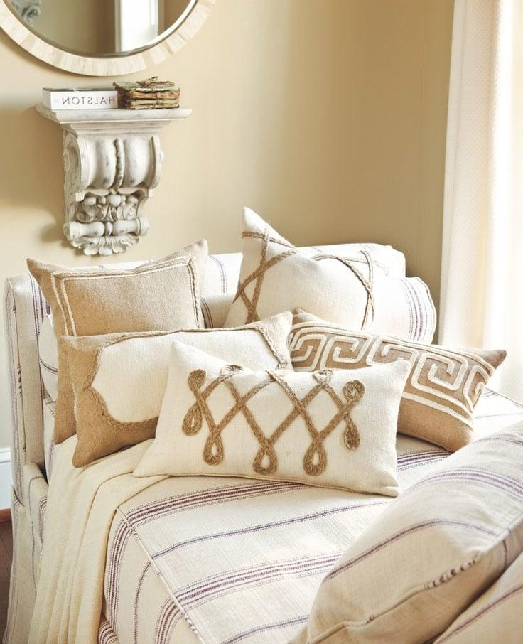 frs bett cheap kissen um aus bett sofa zu machen hbscher kissen frs bett kissen mit fllung in. Black Bedroom Furniture Sets. Home Design Ideas