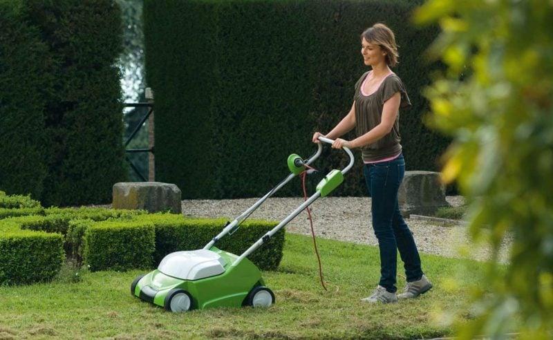DIY den Rasen richtig vertikutieren