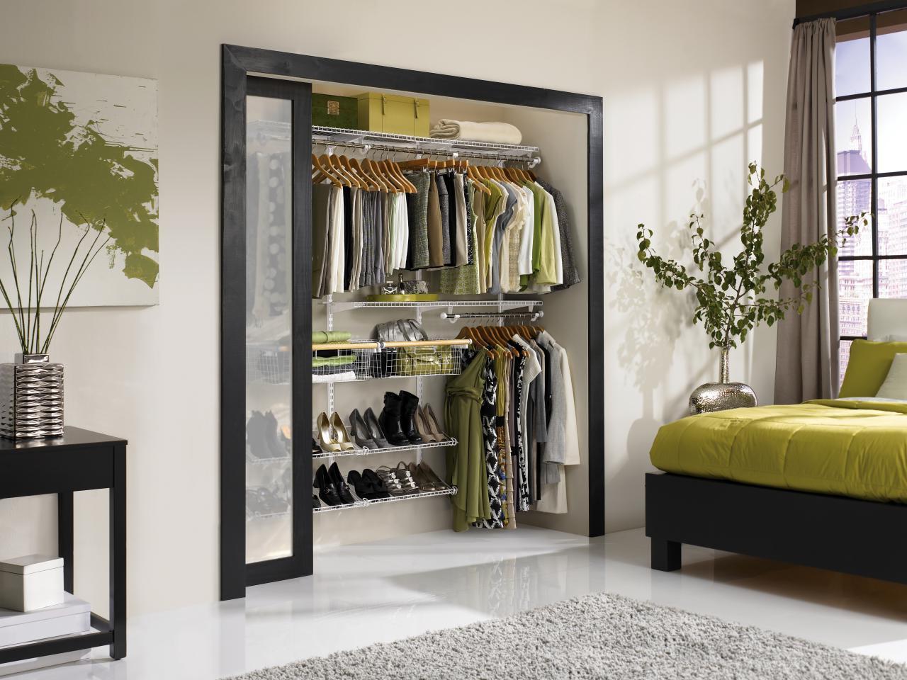 Ordnung Im Schicken Design 60 Regalsysteme Fur Kleiderschranke Garderoben Flurmobel Mobel Zenideen