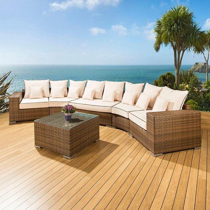 Hochwertige Gartenmöbel fügen sich harmonisch in jedes Ensemble!