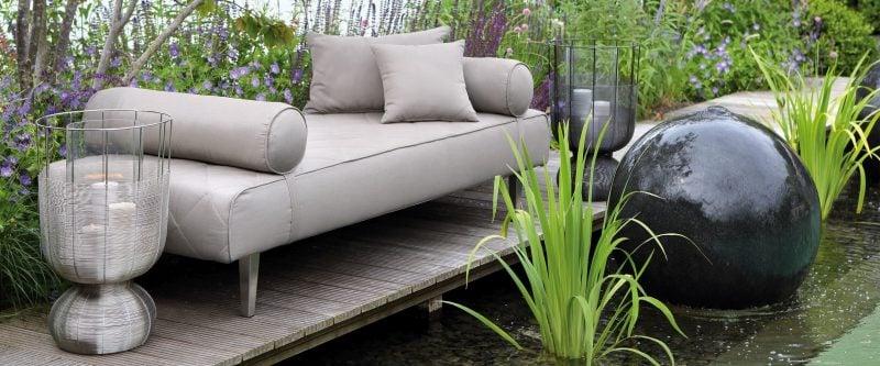 Hochwertige Gartenmöbel: Praktische Sofas ergänzen das Sortiment!