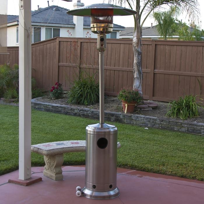 gasheizung außen heizpilze terrassenheizung ideen design metall silber