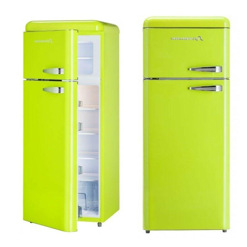 grosser Retro Kühlschrank im Hellgrün