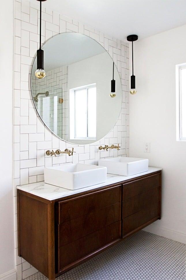 hängelampe badezimmer ideen weiß spiegel modernes bad ideen