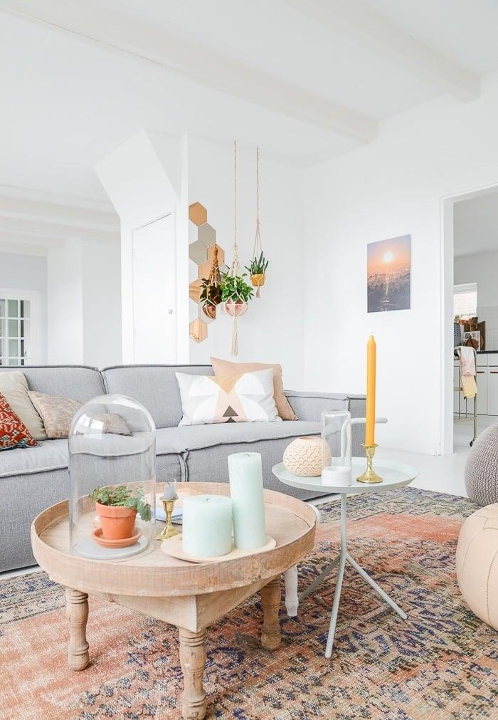 Wohnzimmer skandinavisch einrichten: 22 Ideen für Hussensofa ...