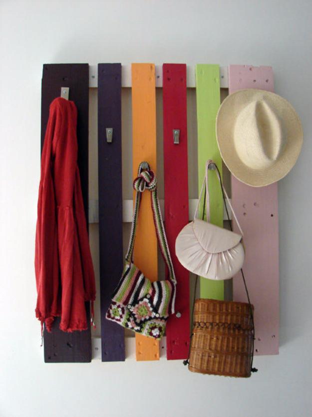 kleiderstange aus paletten selber bauen bastelideen palettenmöbel