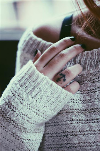 kleine tattoos frauen finger tattoo ideen frauen motive