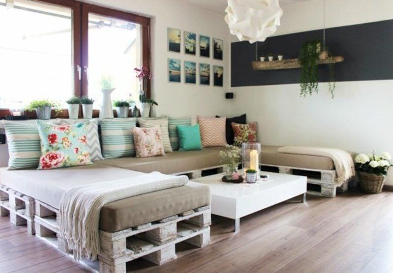 ihr neues wochenendprojekt palettensofa selber bauen. Black Bedroom Furniture Sets. Home Design Ideas