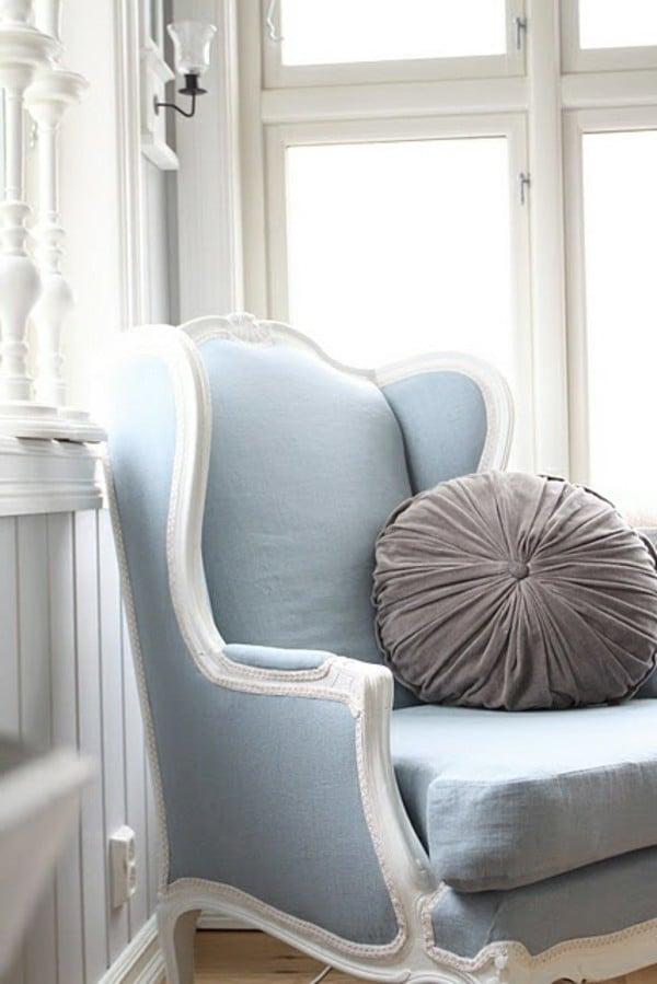 möbel landhausstil weiß blau kombination sessel stuhl kissen