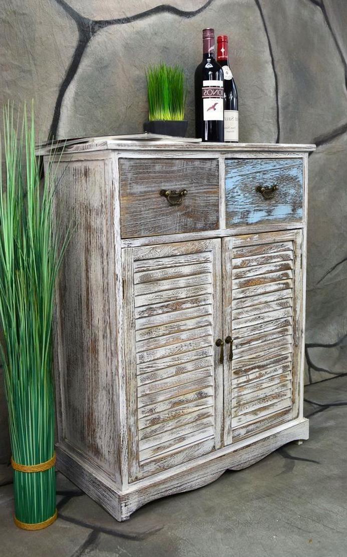 möbel landhausstil weiß naturholz design bauernschrank kommode antiquität einrichten rustikale möbel landhaus
