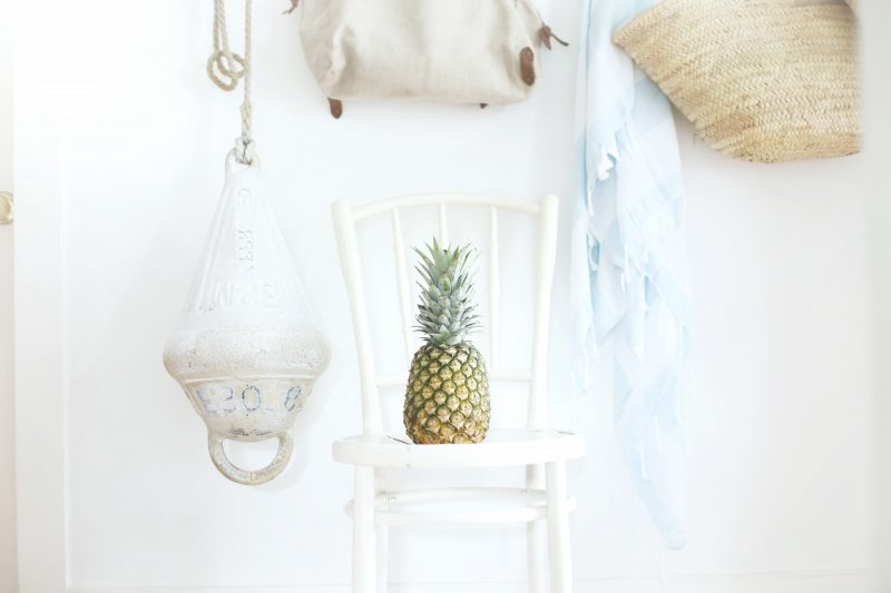 möbel landhausstil weiß stuhl holz design einrichten dekoideen vintage landhausstil möbel