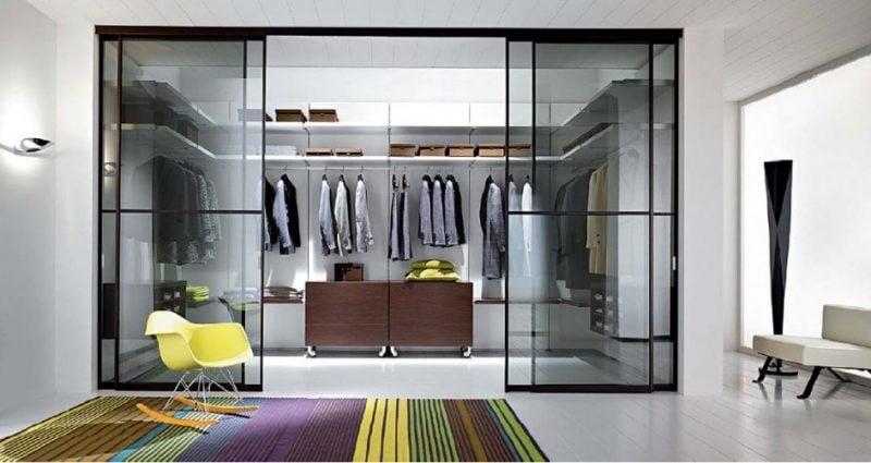 moderne einrichtung begehbarer kleiderschrank teppich stuhl schickes smbiente