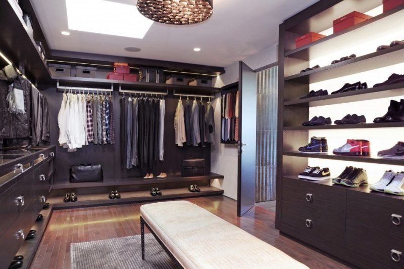 begehbarer kleiderschrank frau schuhe. Black Bedroom Furniture Sets. Home Design Ideas