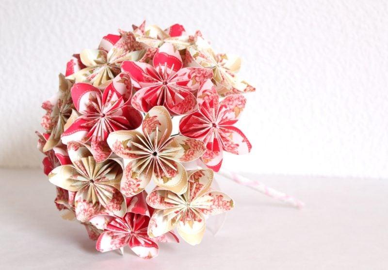 Wissen Sie, dass Origami Blumen für Brautstrauß sehr beliebt sind?