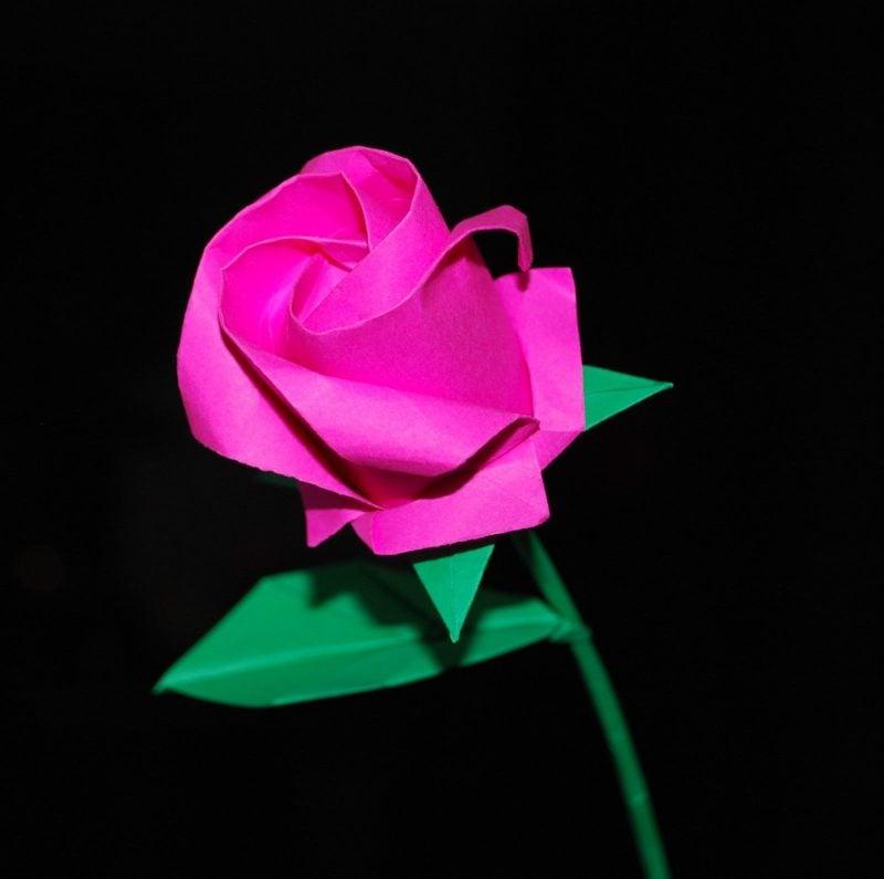 Origami Blumen basteln - die perfekte Deko und einzigartigste Geschenkidee