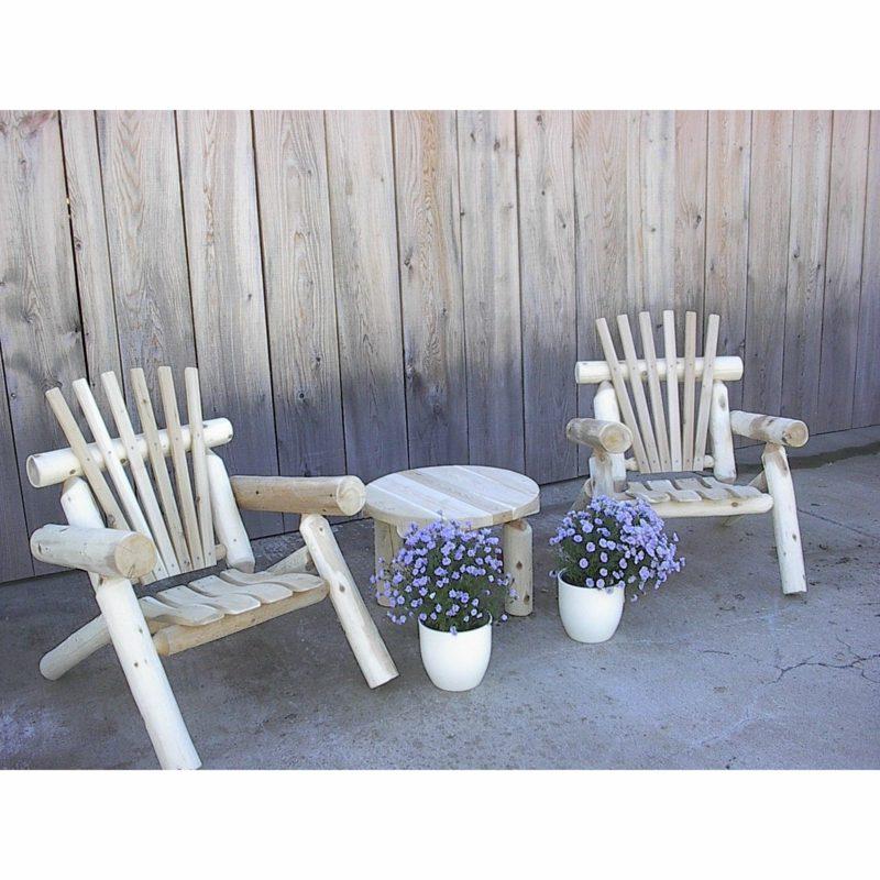 rustikale gartenmöbel holz weiß stuhl tisch garteneinrichtung ideen