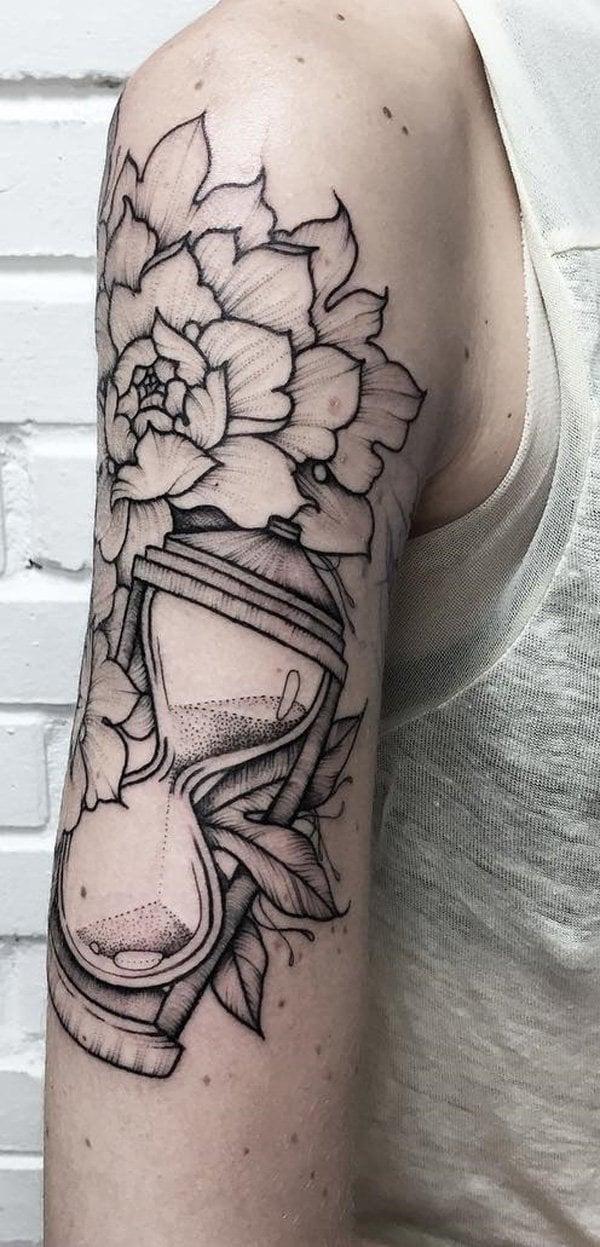sanduhr blumen tattoo ideen arm männer