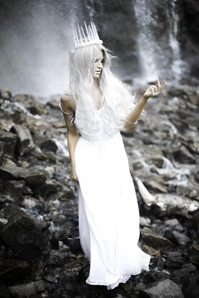 schneekünigin kostüm frauen weiß fasching ideen karneval kostüme altweiber kostüm