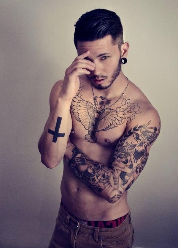 tattoo motive männer kreuz arm tattoo ideen tattoos männer