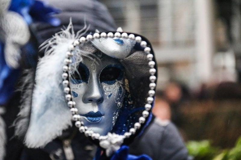 coole accessoires masken spiegel frauen fasching ideen