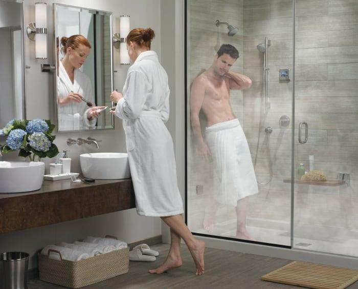 wellness-oase-zu-hause-fuer-zwei-dampfdusche-und-zwei-waschbecken-fuer-frau-und-mann-paar-komfort
