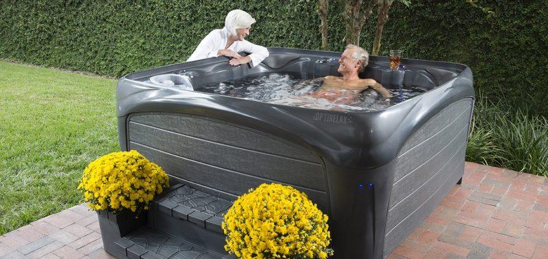 Whirlpool im eigenen Garten: Gestalten Sie einen eigenen Outdoor Wellness-bereich!