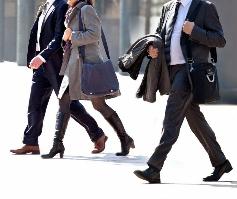 Kalorienverbrauch beim Walken zur Arbeit zu Fuss gehen