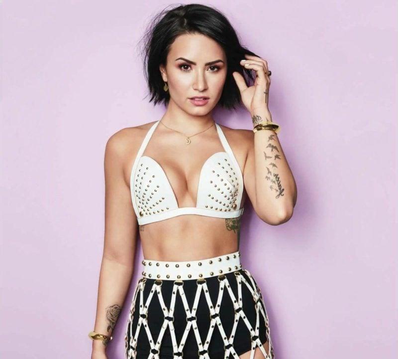 dunkelbraune Haare kurz Demi Lovato