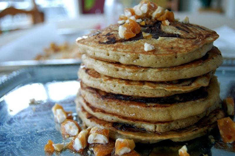 leckere Pfannkuchen mit Haselnüssen ohne Milch