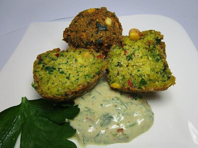 gesundes Rezept Falafel mit Tahini-Sosse