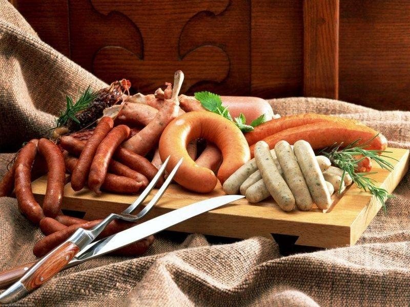 Essen ohne Kohlenhydraten Fleischprodukte