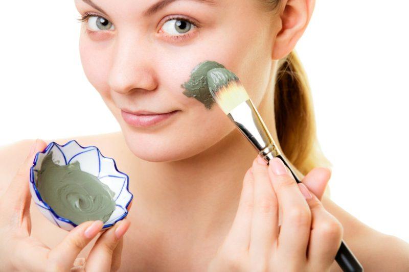 Gesichtsmasken selber machen Avocado Maske gegen trockene Haut
