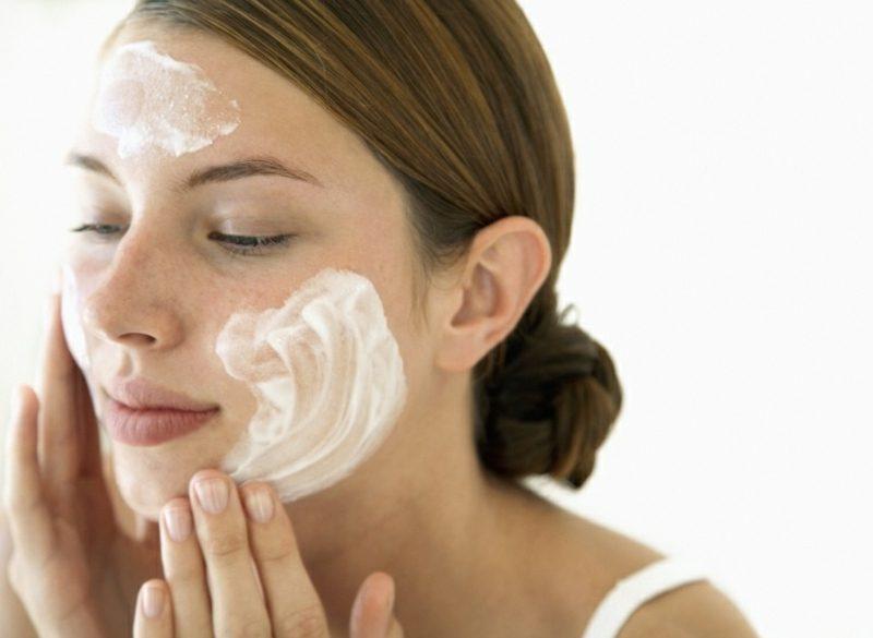 Gesichtsmasken Quark und Zitrone Mischhaut