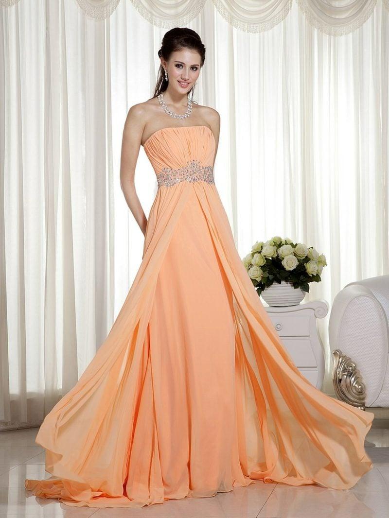 elegantes Hochzeitskleid in Apricot farbe lang puristisch