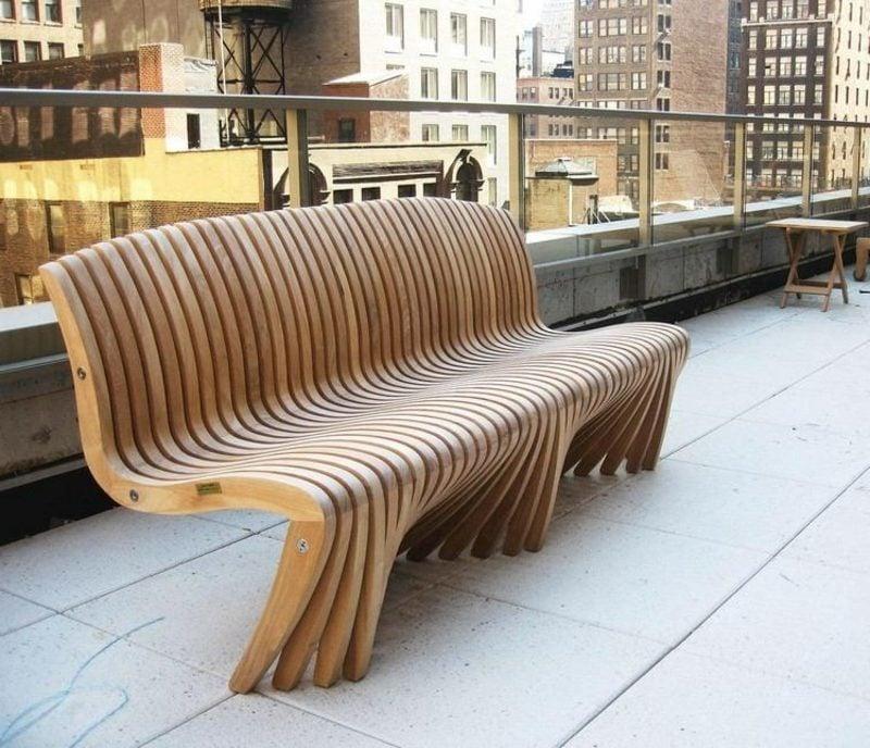 Gartenbank aus Holz moderner Look ausgefallenes Design