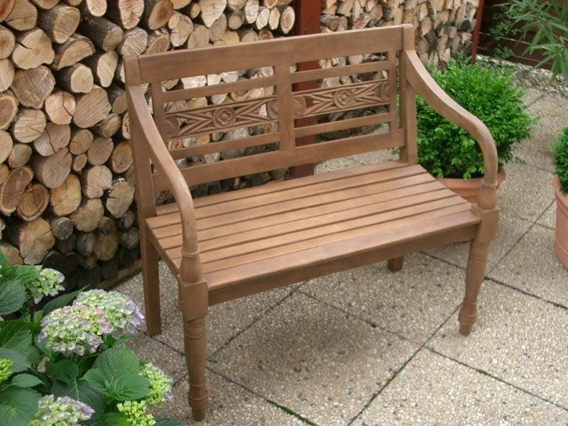 kleine Gartenbank aus Holz Vintage Stil