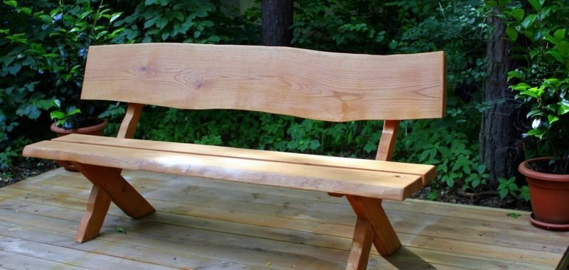 Gartenbank aus Holz lang rustikal
