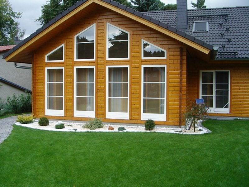 Traumhäuser Fassade Holzhaus grosse Fenster