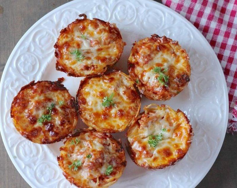 schnelle Party Snacks leckere Häppchen mit Spaghetti und Parmesan